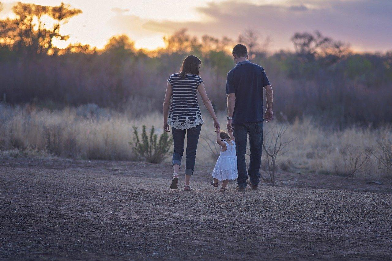 Read more about the article 5 Good Parenting Tips बढ़ते बच्चों की बुरी आदतों पर कैसे काबू पाए